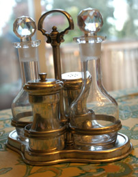 Condiment Stand with Pewter Grinders