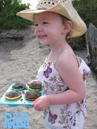 Carrying Sand Cupcakes