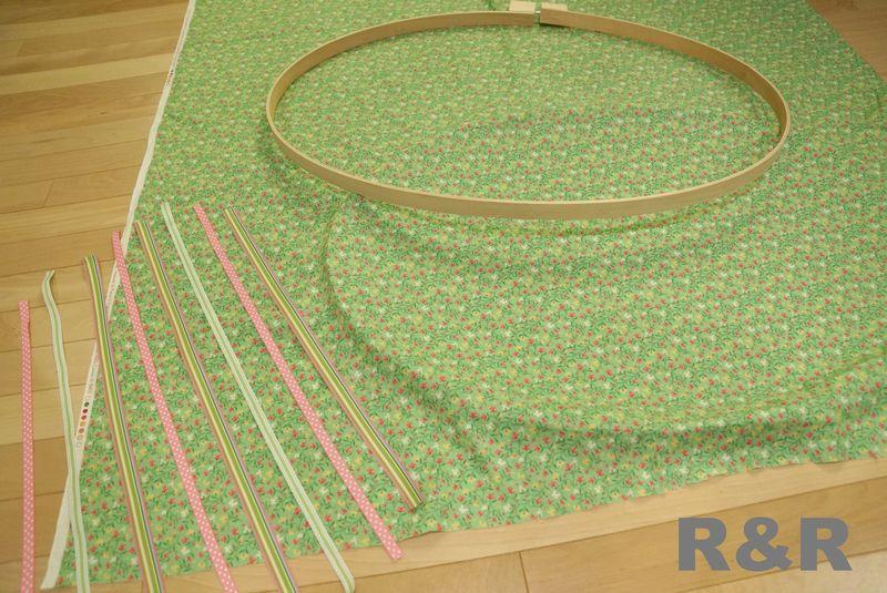 Embroidery hoop hair clip holder