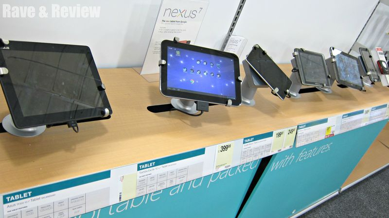 Shopping Tech at Staples