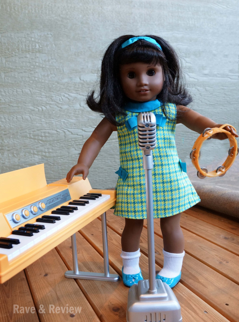 Melody with piano and microphone