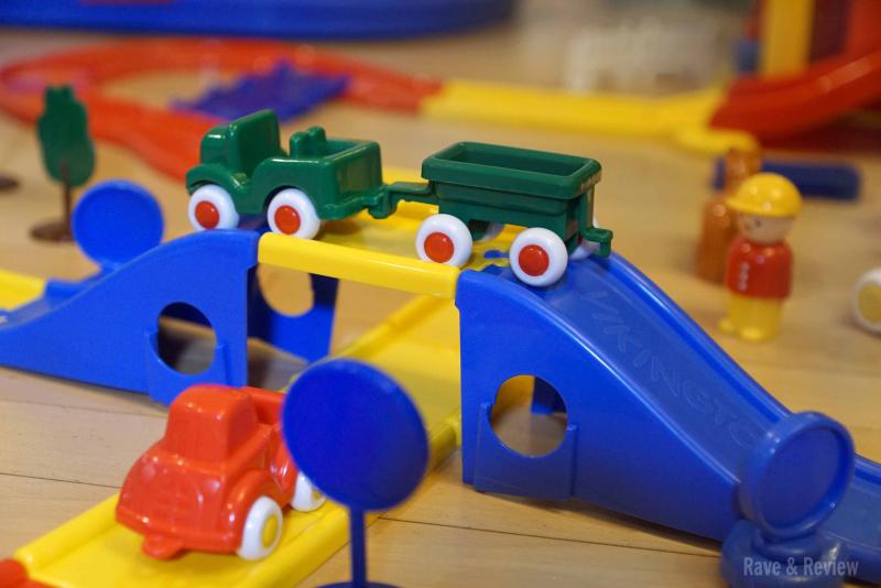 Viking toys track