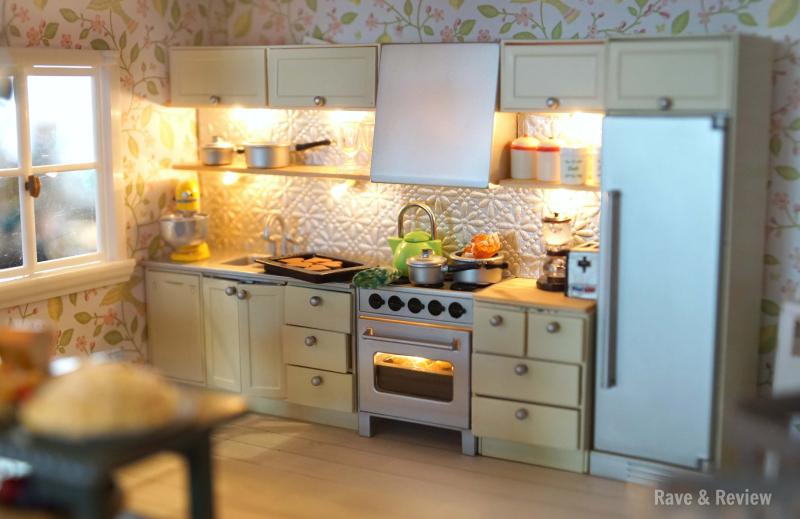 Lundby kitchen backsplash