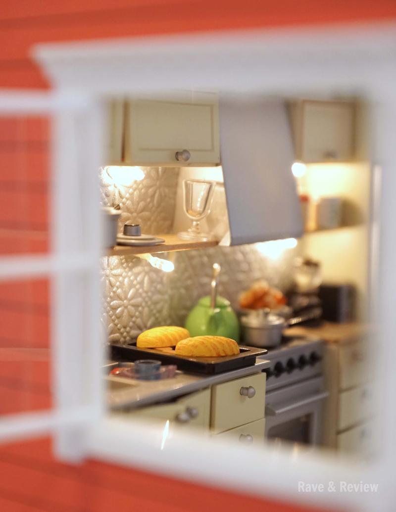 Lundby kitchen through the window
