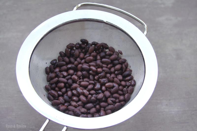 Bush's Beans Rinsing beans
